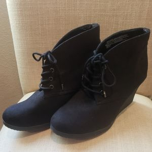 Merona Black wedge booties size 10
